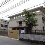 東園田中学校すぐ北側の物件です。